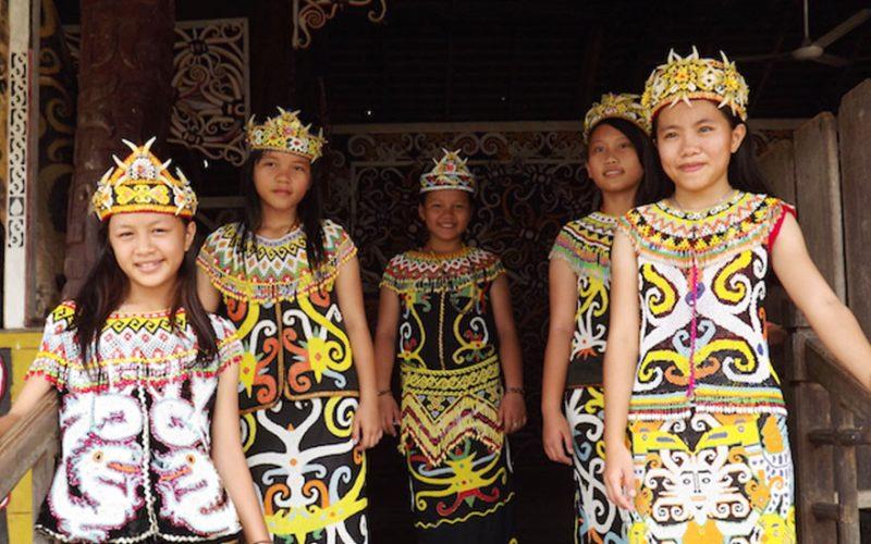 Anak-anak di Desa Budaya Pampang