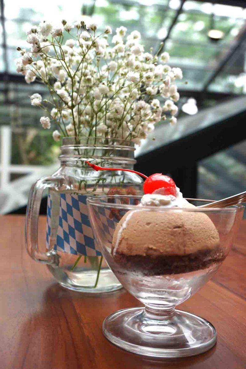 Dessert Bavarian Haus Puncak
